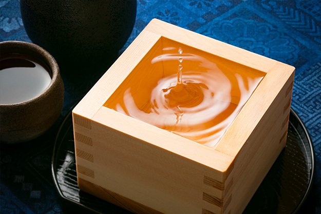 日本酒は黒龍、田酒をはじめ全国各地の銘酒を多数取り揃えております。